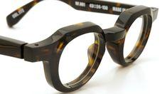 RETRO FUTURE BY 900(レトロ フューチャー バイ 900) メガネ RF-001 COL.172ダークトートイズ 6 Big Glasses, Mens Glasses Frames, Eyeglass Frames For Men, Tom Ford Eyewear, Fashion Eye Glasses, Men Eyeglasses, Specs, Sunglasses, Design
