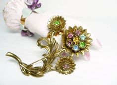 Pre Holiday Sale !!! Thistle Flower Brooch - Little Nemo Rhinestone Pin - Large Floral #Vintage Style #Jewelry offered by #TheJewelSeeker on Etsy  Style:  Large rhinestone thi... #teamlove #vintage #jewelry #thejewelseeker