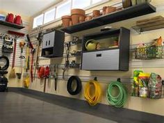 clean & organized garage