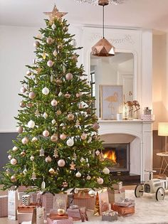 47 Gorgeous Traditional Christmas Tree Ideas - Loombrand - Copper and white Christmas tree looks stylish Melody Patton - Christmas Mantels, Noel Christmas, Pink Christmas, Victorian Christmas, Vintage Christmas, Turquoise Christmas, Christmas Lights, Christmas Ornaments, Christmas Tree Decorations