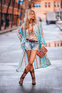 Boho chic outfit kimono love a la mode in 2019 бохо, богемный. Source by chic outfits for work Hipster Outfits, Boho Outfits, Summer Outfits, Holiday Outfits, Women's Fashion Dresses, Boho Fashion, Womens Fashion, Cheap Fashion, Maxi Dresses