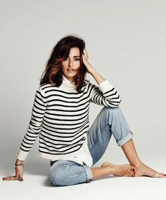 Effortless look for a day out with friends. Love the casual striped jumper.