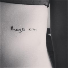23 Meaningful Tattoos in Spanish You'll Want Immediately Dainty Tattoos, Mom Tattoos, Cute Tattoos, Small Tattoos, Tatoos, Spanish Quotes Tattoos, The Best Revenge, Original Tattoos, Spanish Words