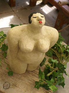 Skulptur, Garten, Kuss, Dicke Frau von Mandagora auf DaWanda.com
