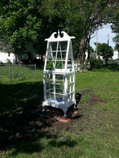 We Made This Diy Miniature Greenhouse From Old Windows – Diy Garden Miniature Greenhouse, Portable Greenhouse, Indoor Greenhouse, Small Greenhouse, Greenhouse Wedding, Greenhouse Plans, Indoor Garden, Diy Garden Decor, Garden Art