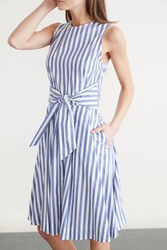 vestidos de señora Casual Work Dresses, Simple Dresses, Dresses With Sleeves, Chic Outfits, Skirt Outfits, Boho Fashion, Fashion Dresses, Poplin Dress, Swing Dress