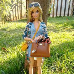 #croche by @dollsdacarol🌴🌳🌲 made by me #barbiestyle #barbietopmodel #feitoamao #chanel  #feitoamao #costura #diorama #closet #fashion #diorama #fashionroyalty #moda #vogue #elle #mdf #louisvuitton #hermes #coach #chanel #madetomove #louboutin #doll #dollfotography #instadoll #barbie #costurando #guardaroupa #barbie #hermes #birkin #bags #miniature  #nyfw