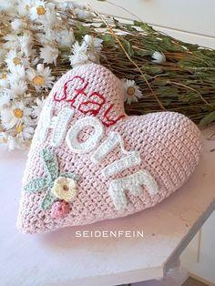 Crocs, Spring Crafts, Crochet Hats, Dekoblog, Inspiration, Fashion, Tricot, Fast Crochet, Mother's Day