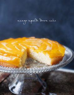 mango upside down cake Mango Upside Down Cake, Ugly Cakes, Just Desserts, Dessert Recipes, Food Hacks, Food Tips, Cake Plates, Let Them Eat Cake, Baked Goods