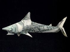 This guy does origami with dollar bills and lives in a converted garbage truck. Won Park is the master of Origami. He is also called the money folder, a practitioner of origami whose canvas is the United States One Dollar Bill. Money Lei, Money Origami, Origami Love, Origami Design, Origami Ideas, Origami Hearts, Origami Ball, Origami Flowers, Origami Tooth