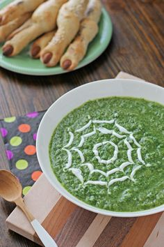 Healthy Witches' Soup with Spinach and Broccoli | Cookie Monster Cooking
