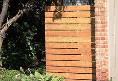 Horizontal cedar wood fence