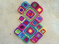 I had hoped to get the slightly smaller practically perfect granny square bag done in time for today's blog post, but life (and some spectacular weather that demanded to be enjoyed) intervened, and...