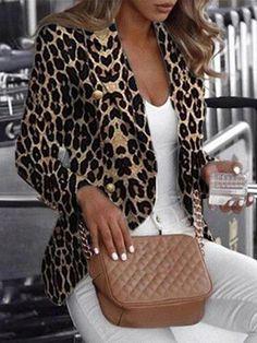 Trend Fashion, Estilo Fashion, Ideias Fashion, Womens Fashion, Fashion Blogs, Fashion Hats, Latest Fashion, Leopard Print Jacket, Cheetah Print Clothes