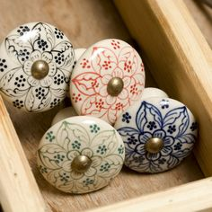 Get creative with these exquisite Daha ceramic door knobs from Nkuku. Their soft edged, white background is complemented with a beautiful hand painted flower design available in blue and black. Kitchen Cupboard Door Handles, Kitchen Drawer Pulls, Drawer Knobs, Drawer Handles, Kitchen Cupboards, Cabinet Knobs, Kitchen Knobs, Barn Kitchen, Pull Handles