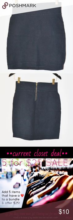 ❤️••dark denim zipper back mini skirt•• •brand: forever 21  •size: small  •condition: excellent, no flaws  Dark blue denim mini skirt with quarter zip up back. Has stretch  This is a Closet Clearance item! Bundle your likes of 2+ from my closet with a ❤️ in the title and offer the corresponding amount: 2 for $14 3 for $18 4 for $22 5 for $25 Check out the other clearance items in my closet and bundle up! Clearing out for incoming spring items! Forever 21 Skirts Mini