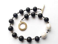 girocollo perle di lava nere e perle bianche di Maiorca : Collane di tizianatar