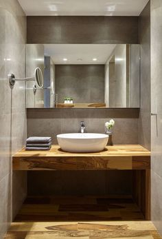 Накладная раковина на столешницу: 75+ воплощений эргономики и эстетики в ванной комнате http://happymodern.ru/rakovina-dlya-vanny-nakladnaya-na-stoleshnicu/ rakovina_v_vannoj_28