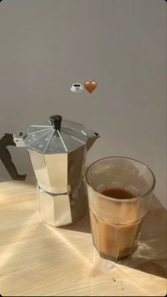 Creative Instagram Stories, Instagram Story Ideas, Brown Aesthetic, Aesthetic Food, Coffee Time, Morning Coffee, Cold Day, Coffee Drinks, Love Food