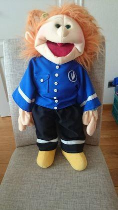 Politiepakje voor een Living Puppet! Leuk in thema's als verkeer, beroepen, politie,...