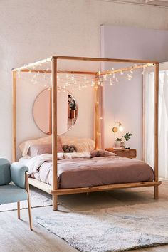 55 Inspiring Canopy Bed with Sparkling Lights Decor Ideas #canopybed #lights #decorideas