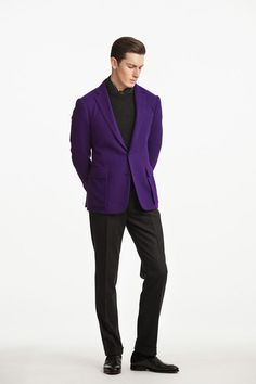 The best international designers, contemporary fashion, unique vintage clothing and more available at Luxury and Vintage Madrid - Express shipping worldwide Male Fashion Trends, Mens Fashion, Prep Fashion, Fashion 2018, Fashion Tips, Dad Outfit, Ralph Lauren Suits, Classy Suits, Winter Fashion Casual