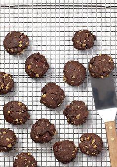 Double Chocolate Chunk Walnut Cookies Skinnytaste