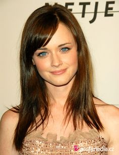 Cute Medium Layered Haircuts With Side Bangsmedium Hairstyles For ...