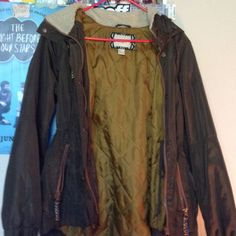 Forever 21 puffer/anorak jacket It's more of a brown/green color great for fall and winter ! Although is missing fur Forever 21 Jackets & Coats Utility Jackets