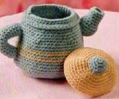 Kettle knitted toy amigurumi