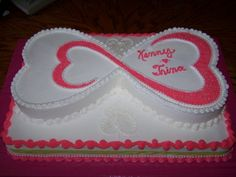 Love the design     http://media.cakecentral.com/gallery/762748/600-1278288970.JPG