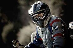 Мотоэкипировка – что это такое?  Покупая мотоцикл, или же еще только задумываясь о таком приобретении, многие люди начинают заглядываться на различную атрибутику, которая носится мотоциклистами. http://opt.expert/articles/motoekipirovka_chto_eto_takoe  #optexpert #оптэксперт #вебмаркет #всепродается и #всепокупается