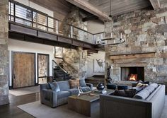 This mountain modern dwelling was designed by Centre Sky Architecture, located in the community of Moonlight Basin in Big Sky, Montana. Moonlight Basin, Fachada Colonial, Modern Mountain Home, Mountain Living, Mountain Homes, Built In Bunks, Industrial House, Modern Interior Design, Modern Rustic