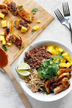 Thai Chicken Coconut Quinoa Bowls | Fabtastic Eats