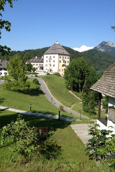 Schloss Fuschl Hotel at Fuschlsee, Salzkammergut - known from the Sissi-Movies - Luxury Collection - Hof near Salzburg, Austria/Österreich . Lucky enough to have been here for dinner with a table by the lake. Sissi, Visit Austria, Oh The Places You'll Go, Places To Visit, Heart Of Europe, Hotel Branding, Central Europe, Great Memories, Wonderful Places