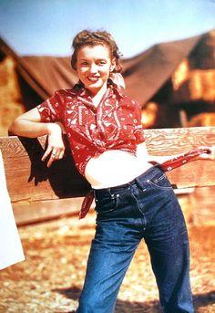 Marilyn Monroe - Norma Jean - in Levi Strauss Jeans