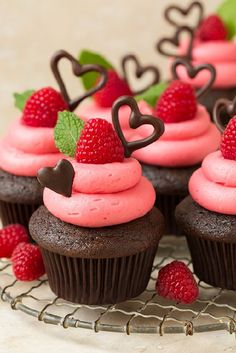 Dark Chocolate Cupcakes with Raspberry Buttercream (Raspberry Muffin Sour Cream)
