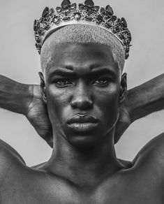 Best Dressed Mess Black King, Black And White, Gold King Crown, Afro, Ronald Epps, Male Witch, Black Male Models, Men's Fashion, Fashion Design