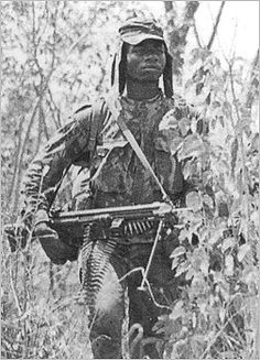 """Os Flechas "" (The Arrows), native Angolan paramilitary group created by the Portuguese secret Service - African Colonial War Colonial, World Conflicts, Black Indians, Guinea Bissau, African Men, Modern Warfare, Armed Forces, Portuguese, Love Art"