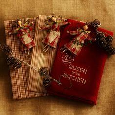 kitchentowelsandotherbowls Gisela Graham, Christmas Decorations, Gift Wrapping, Decorating, Blog, Gift Wrapping Paper, Decor, Decoration, Wrapping Gifts