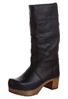 Sanita boots