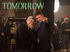 Executive Producer Robert Singer and Jensen Ackles want YOU to watch an all new ‪#‎Supernatural‬ tomorrow, following the return of #Arrow!