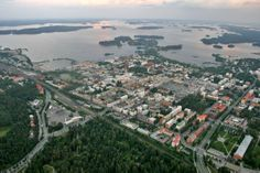 Aerial over downtown Kuopio, Finland. // Didn't even know it looks like this. // my city Finnish Language, Map Pictures, Helsinki, Paris Skyline, Maps, Cities, Dolores Park, Outdoors, History