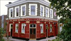 Queen Vic Pub from EastEnders - BBC Soap Opera. Can't live without it! 19th Century London, Holby City, Tv Set Design, Late Night Show, Public Television, Cast Iron Radiators, Tv Reviews, Latest Celebrity News, Film Review