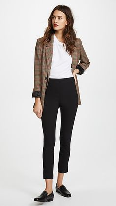 business attire for women Office Outfits Women, Casual Work Outfits, Woman Outfits, Business Casual Outfits, Work Casual, Chic Outfits, Inspired Outfits, Business Attire, Business Chic