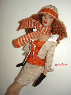 Free templates: a mini skirt and a small top with straps for dolls mannequins 40 cm - Knitting for dolls Créations Soudane, Barbie Knitting Patterns, Knitting Dolls Clothes, Knitted Dolls, Crochet Clothes, Barbie Dress, Barbie Clothes, Dress Clothes, Habit Barbie, Crochet Skirt Outfit