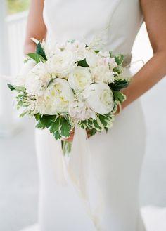 white bouquet | Ashley Seawell