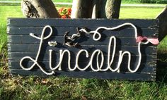 LINCOLN : 42 Nautical Rope Name Sign Cottage Lake by RopeAndStyle Nautical Names, Nautical Rope, Lake Signs, Beach Signs, Cottage Signs, Beach House Decor, Home Decor, Rustic Farmhouse Decor, Wood Background