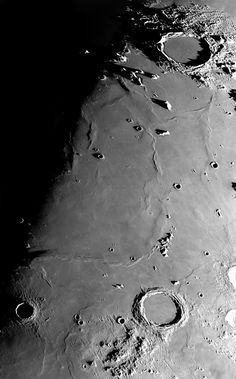 Universe Astronomy South of Plato crater at image upper right, a curved ridge combines with Mons Pico to give the false illusion of a buried crater on Plato's southern rim. Space Photography, Moon Photography, Hubble Space Telescope, Space And Astronomy, Electric Universe, Sistema Solar, Astronomy Pictures, Moon Images, Beautiful Moon