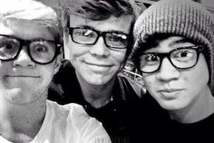 Niall, Ashton and Calum..... I just can't handle this